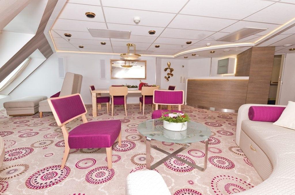 Dansk Wilton carpet solutions at Silja Symphony