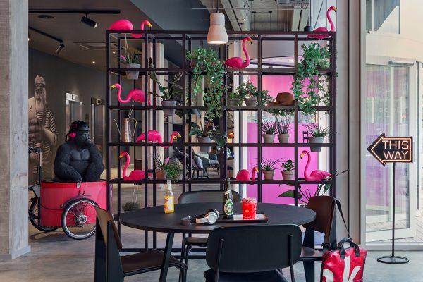 MOXY-Copenhagen lobby mood - Dansk Wilton