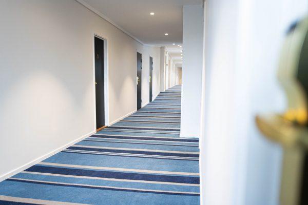 corridor-carpet-helnan-phoenix-hotel-aalborg-dansk-wilton2